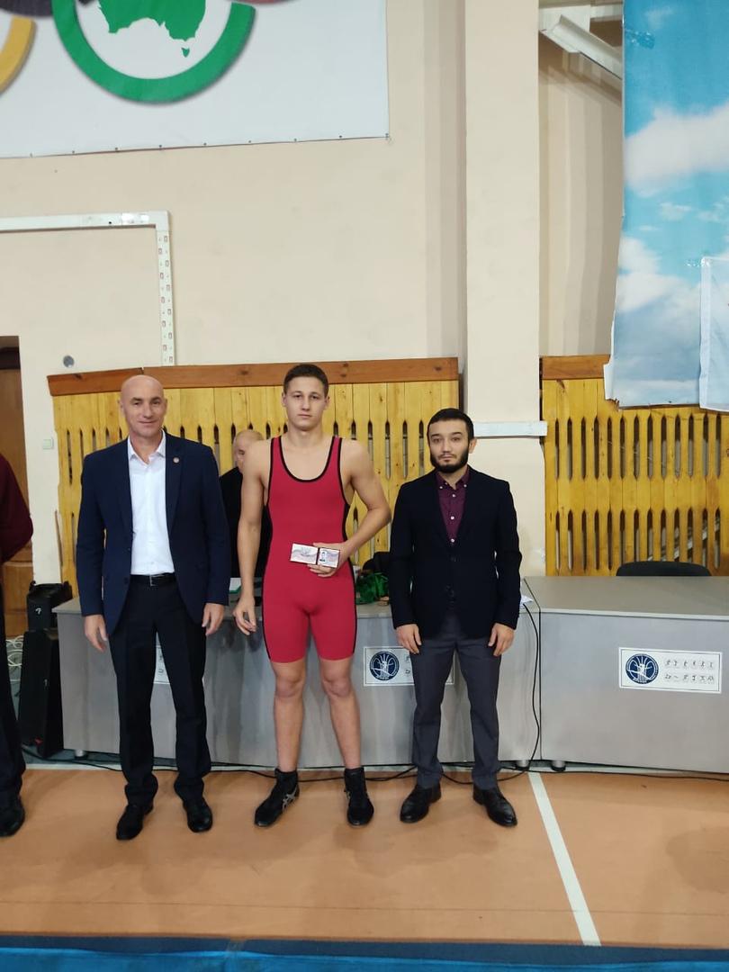Наши борцы – победители и призеры чемпионата ДНР